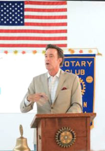 Hank Amos speaks at the Benson Rotary Club